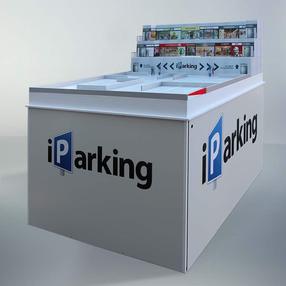 Teljes kép az iParking számára készített makettről, és az azt hordozó asztalról.